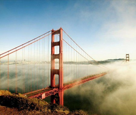 Le Golden Gate dans le brouillard de Fog City