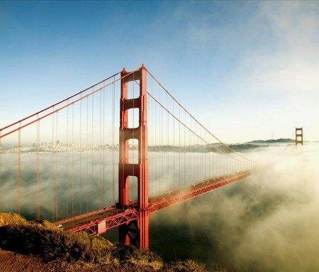 Le Golden Gate dans le brouillard de Fog City