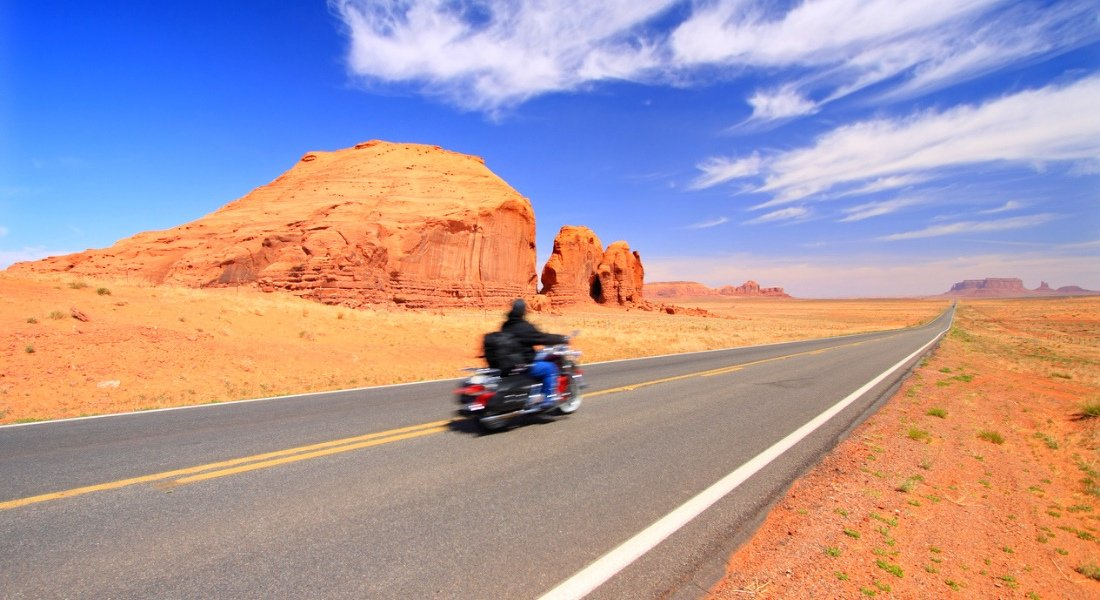 road trip moto monument valley