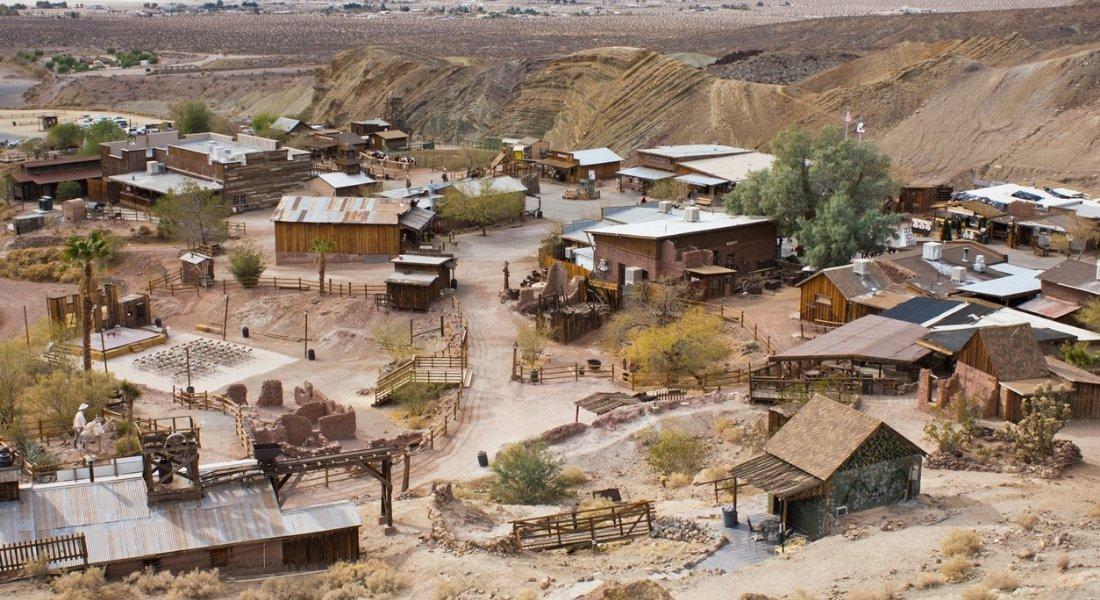 Vue sur le village fantôme de Calico aux États-Unis