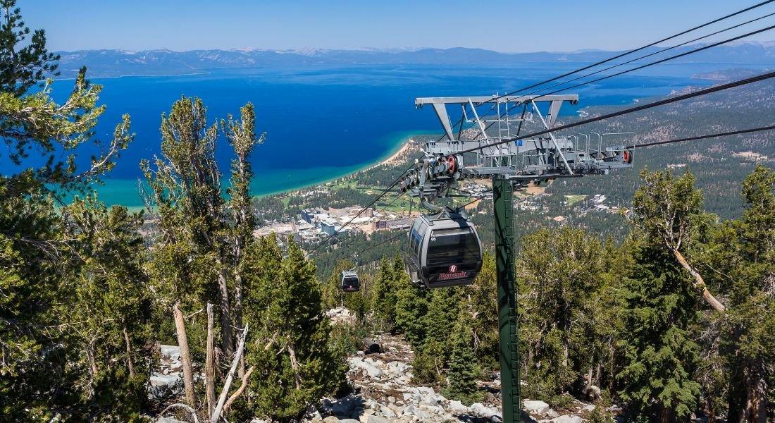 Vue panoramique sur le Lac Tahoe depuis les gondoles