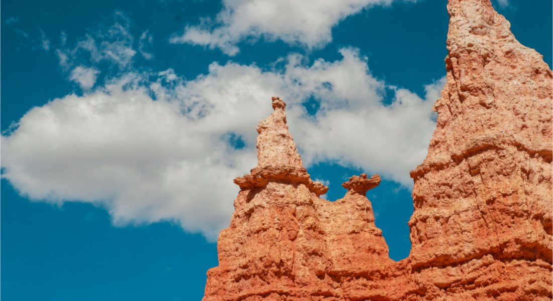 Le Hoodoos nommé Queens garden dans le parc de Bryce Canyon