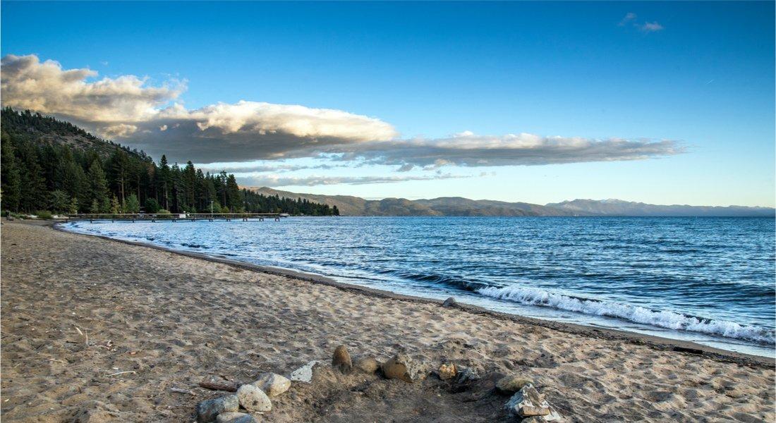 Plage de Kings Beach dans le nord du Lac Tahoe
