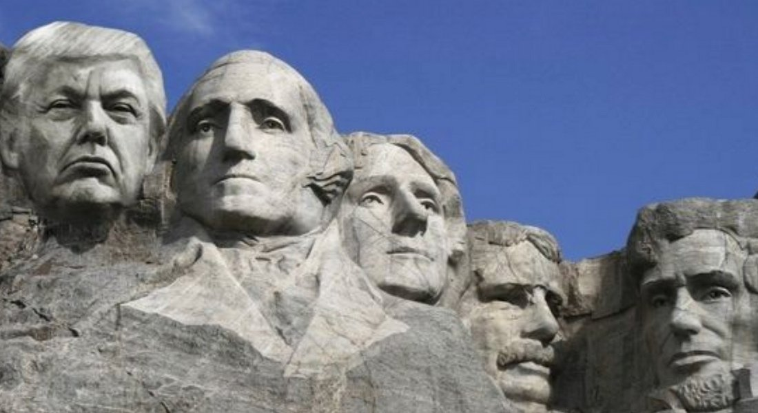 Trump sur le Mont Rushmore