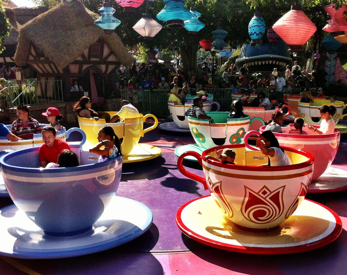 Les tasses d'Alice au pays des Merveilles