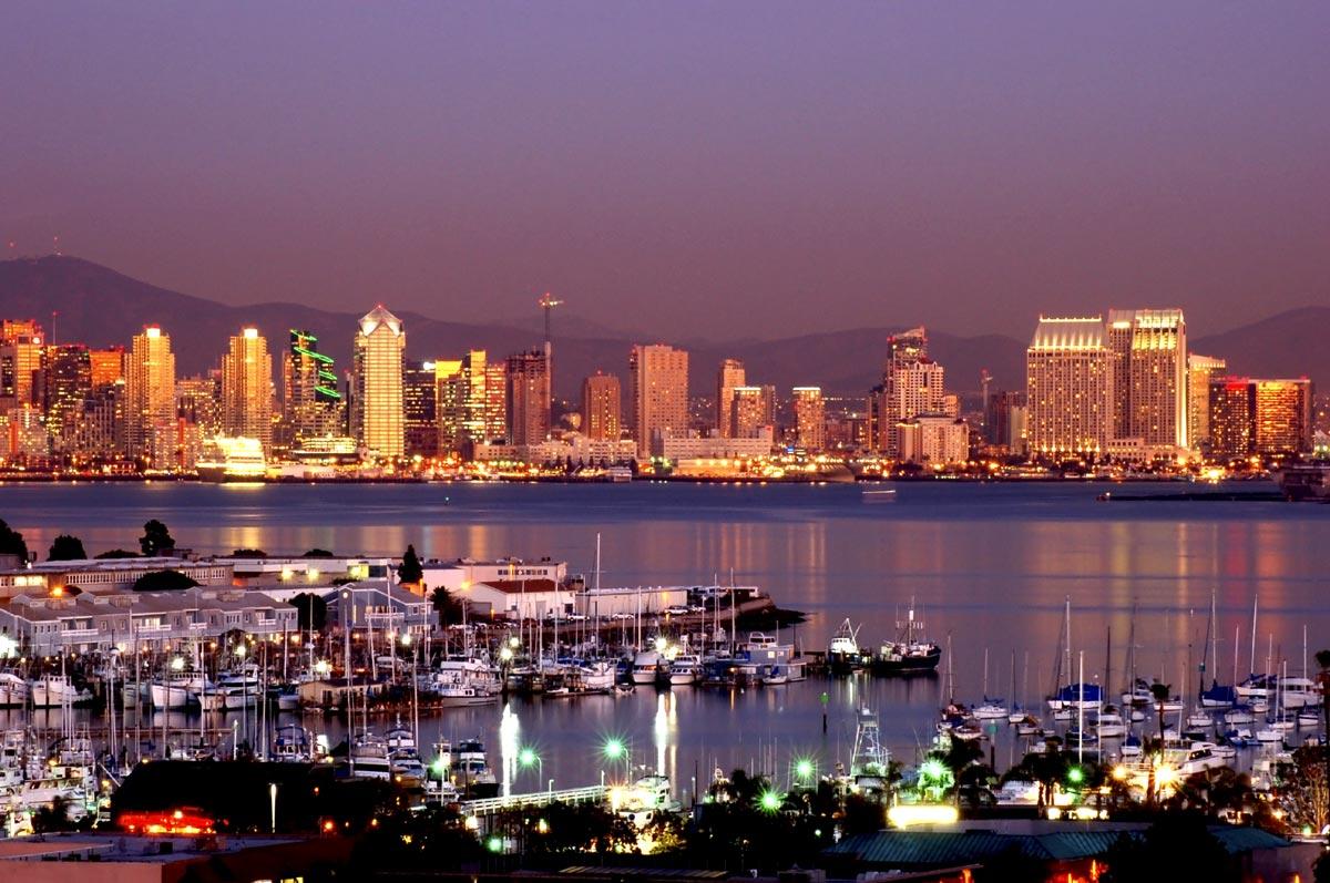 La nuit tombe sur San Diego