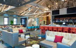 Lobby et Bar - Hôtel Hilton Garden Inn