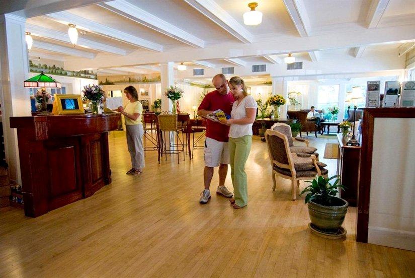 Nonantum Resort - Lobby