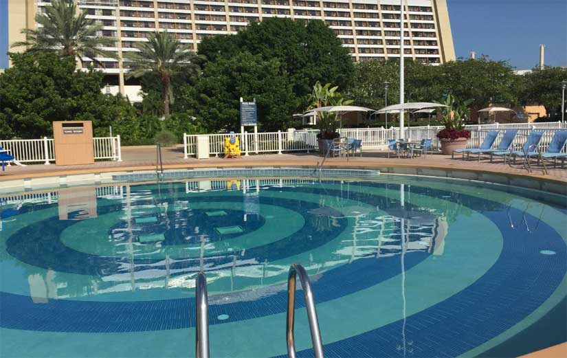 Disneys_Contemporary_Resort-Piscine-1