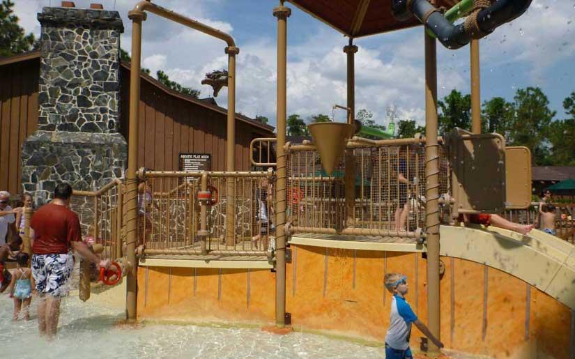 Disneys_Fort_Wilderness_Campground-Piscine-2