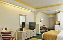 Comfort Suites Maingate East - Chammbre