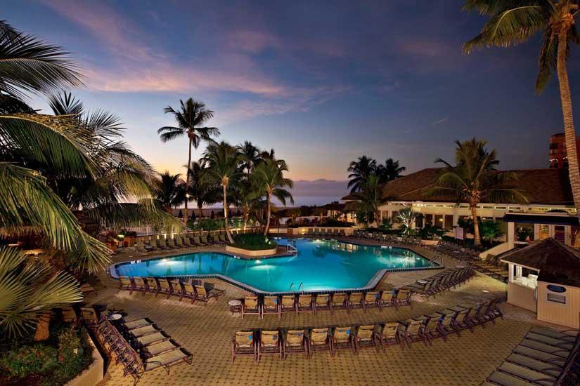 Marco_Beach_Ocean_Resort-Piscine-1