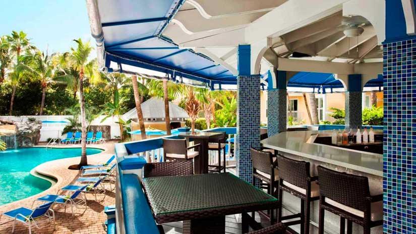 Sheraton-Suites-Key-West-Bar-Exterieur