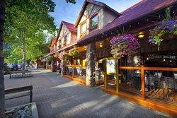 Bayshore Inn Resort & Spa, AB, Canada