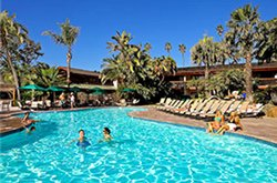 Catamaran Resort Hotel - Piscine extérieure