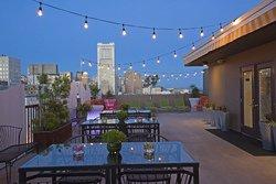 La terrasse du Cova Hotel, CA
