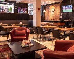 Le San Francisco Sports Grill & Bar