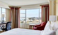 Chambre lit King, vue sur la baie