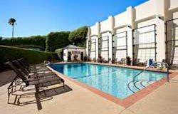 Wyndham Inn Santa Monica - Piscine extérieure