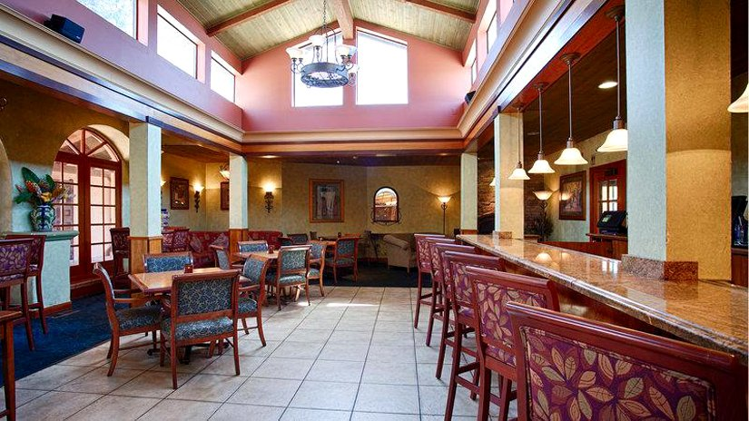 Best Western Plus El Rancho - Restaurant-Bar