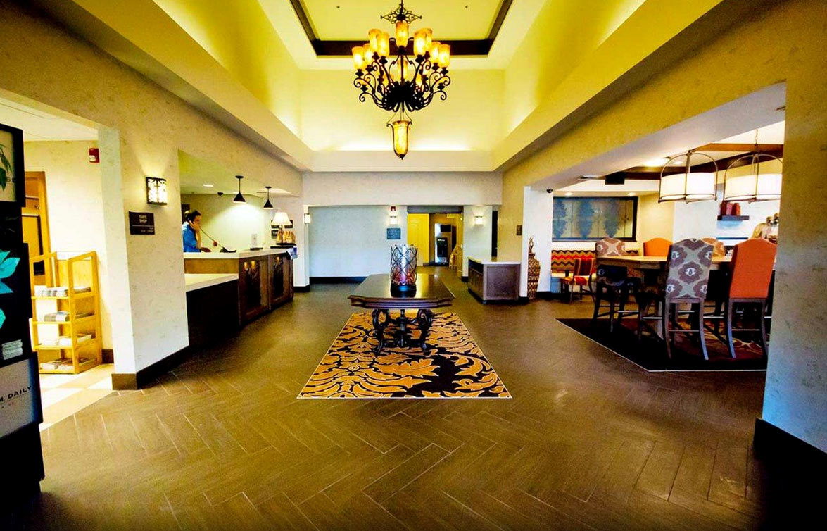 Hampton Inn Fresno - Lobby
