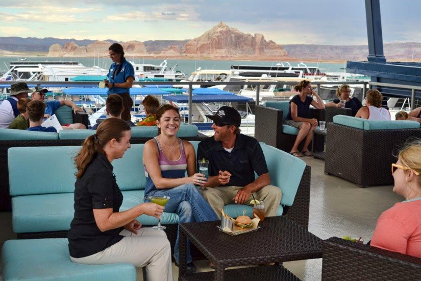 Lake Powell Resort – Restaurant flottant