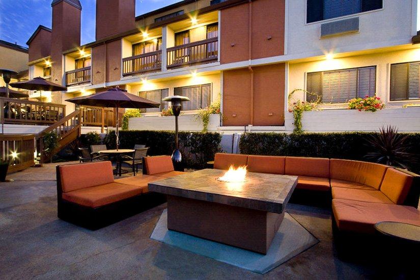 Mariposa Inn & Suites - Terrasse